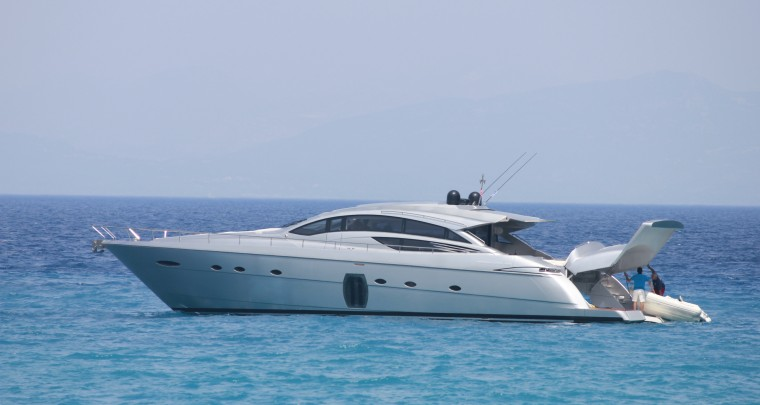 Luxurious Yacht Charter